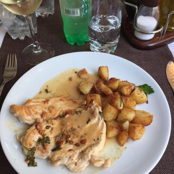 5/1/2017 tarihinde Alemarziyaretçi tarafından Restaurant Izbata'de çekilen fotoğraf