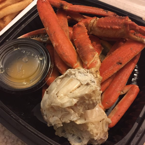 Photo taken at North and South Seafood & Smokehouse by Suzanne X. on 3/27/2017