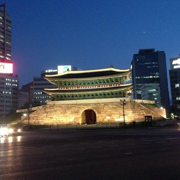 Photo taken at Sungnyemun by John N. on 5/20/2013