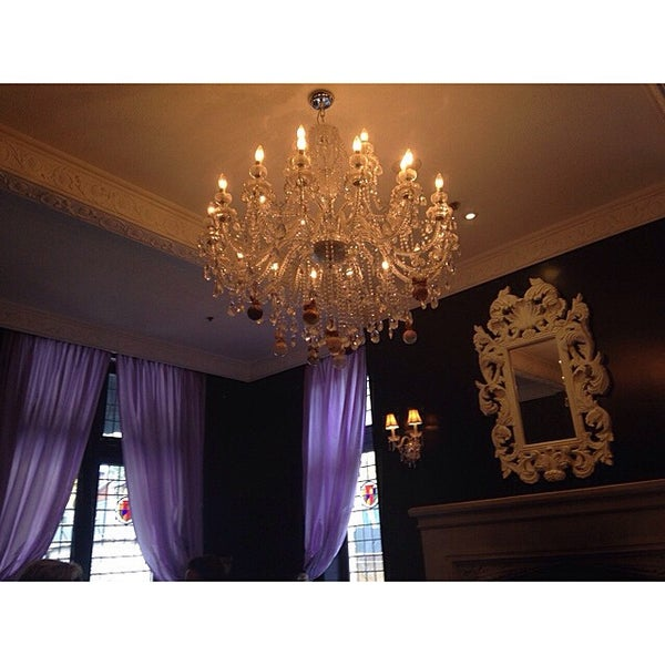 Photo taken at Windsor Arms Hotel by Maria-Jose B. on 7/2/2015