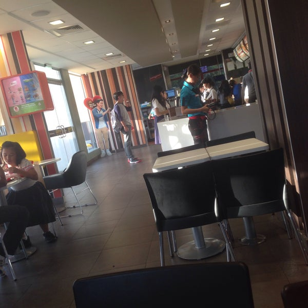 Photo taken at McDonald's by Judy E. on 1/29/2016