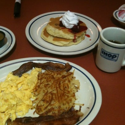 Photo taken at IHOP by Karl A. on 11/24/2012