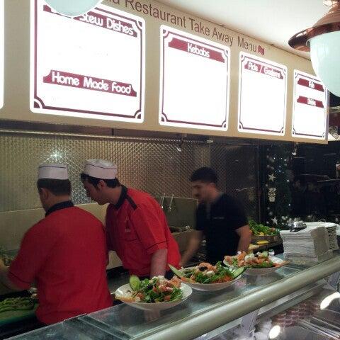 12/8/2012 tarihinde Oisin M.ziyaretçi tarafından Hala Restaurant'de çekilen fotoğraf