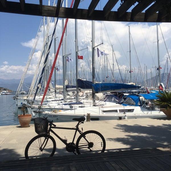 5/4/2017 tarihinde Erol G.ziyaretçi tarafından Mod Yacht Lounge'de çekilen fotoğraf