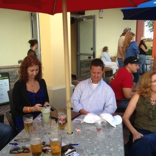 รูปภาพถ่ายที่ The Ranch Grill โดย Joe M. เมื่อ 11/10/2012