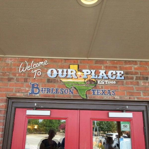 Das Foto wurde bei Our Place Restaurant von Joe D. am 8/25/2013 aufgenommen
