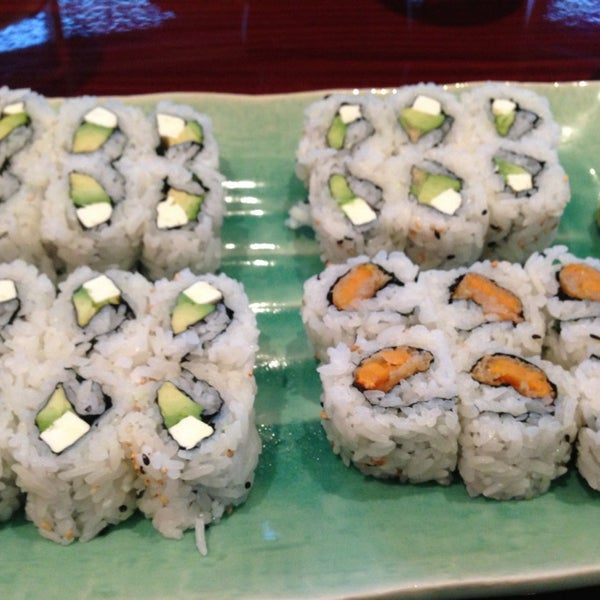 Photo taken at Sushi On The Rocks by Salma Q. on 12/21/2012