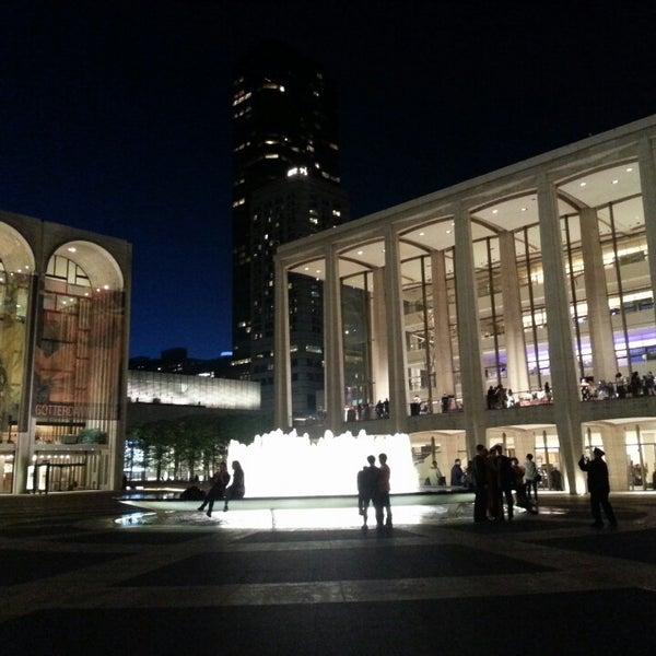5/7/2013にSadie Y.がLincoln Center for the Performing Artsで撮った写真