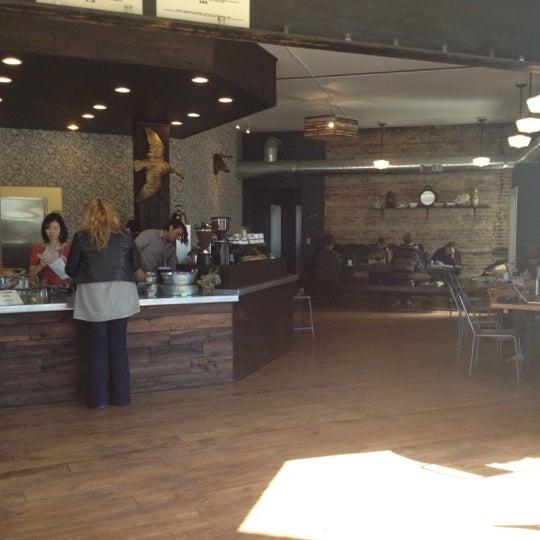 Foto tomada en Gaslight Coffee Roasters por Lyubomir el 10/21/2012