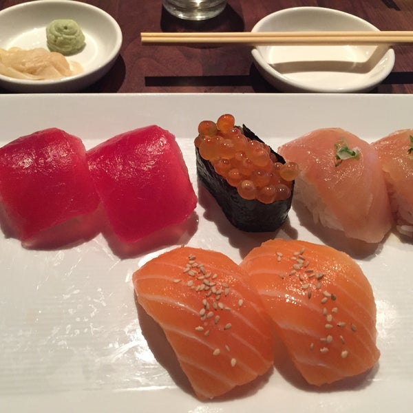 Photo taken at Sugarfish by Helen L. on 6/25/2017