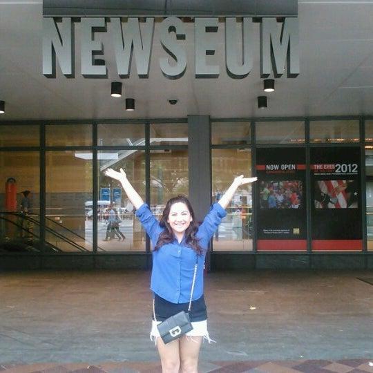 Foto tirada no(a) Newseum por almendra c. em 10/6/2012