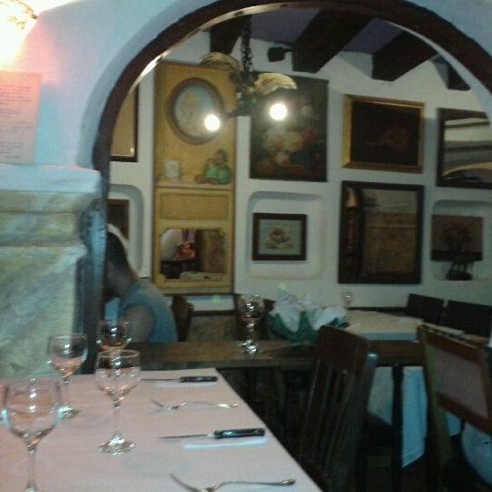 Foto tomada en Donde Olano Restaurante por Pablo M. el 10/16/2012