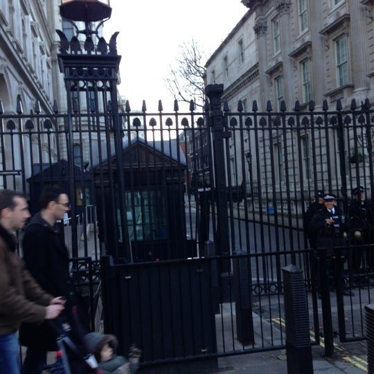 Photo taken at 10 Downing Street by Natacha H. on 12/16/2012