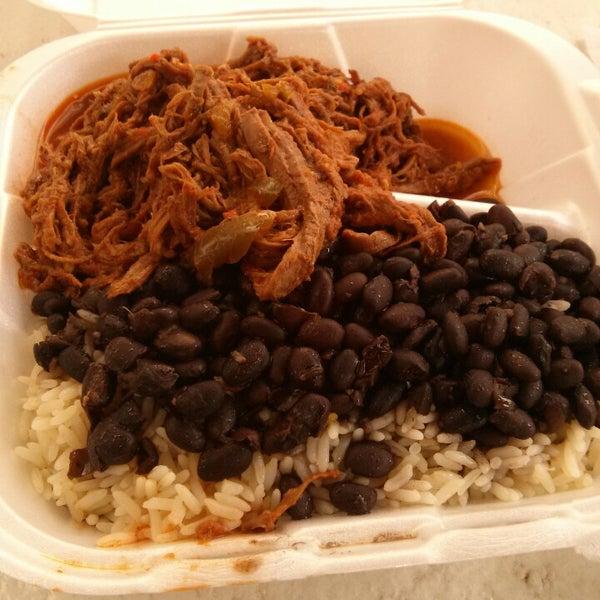 Foto tomada en Latin Square Cuisine por Rick el 7/19/2013