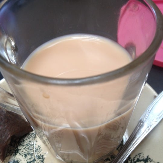 Photo taken at Coffee Town Kaya Toast by Kim T. on 12/2/2012