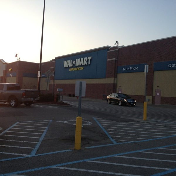 photo taken at walmart supercenter by kristine h on 3312013