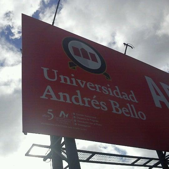 Foto tomada en Universidad Andrés Bello por Marcos G. el 5/10/2013