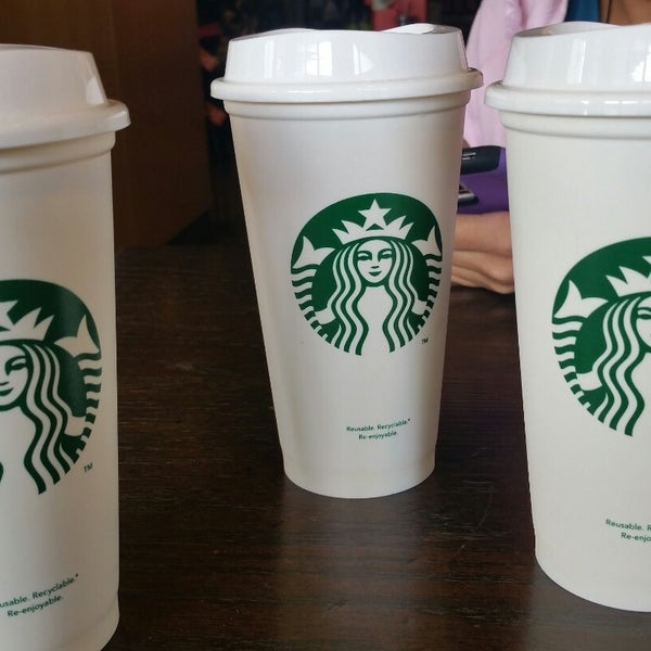 Photo taken at Starbucks by Luis C. on 11/12/2014