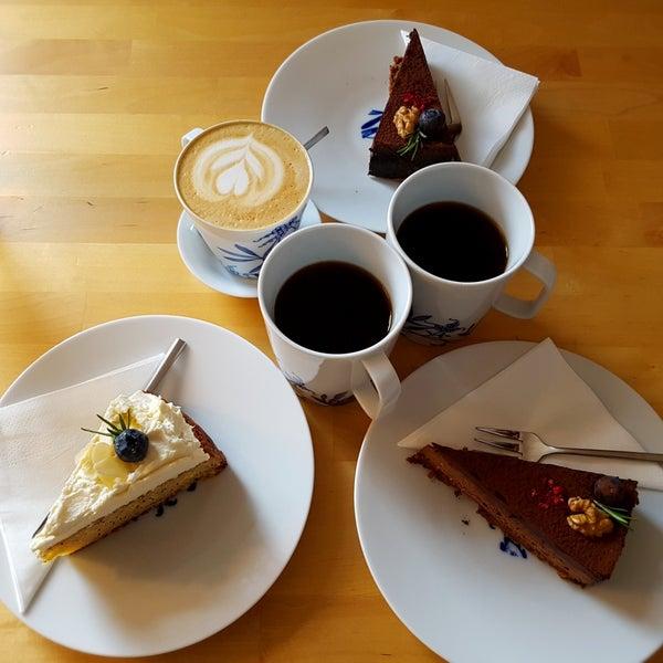 Foto diambil di Mikyna Coffee & Food Point oleh Jakub K. pada 4/8/2018