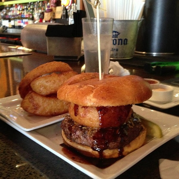 Photo taken at Rehab Burger Therapy by Gary H. on 1/27/2013