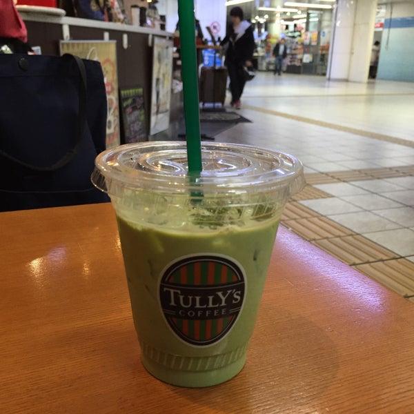 12/26/2015にTetsuji O.がTULLY'S COFFEE 京急羽田空港駅店で撮った写真