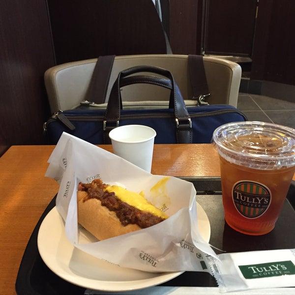 9/15/2016にTetsuji O.がTULLY'S COFFEE 京急羽田空港駅店で撮った写真