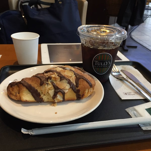 11/25/2015にTetsuji O.がTULLY'S COFFEE 京急羽田空港駅店で撮った写真