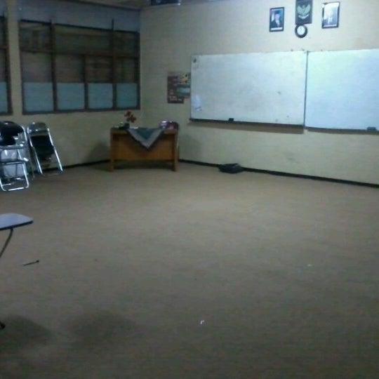 Foto diambil di SMA Negeri 25 Bandung oleh Irbad N. pada 1/31/2013