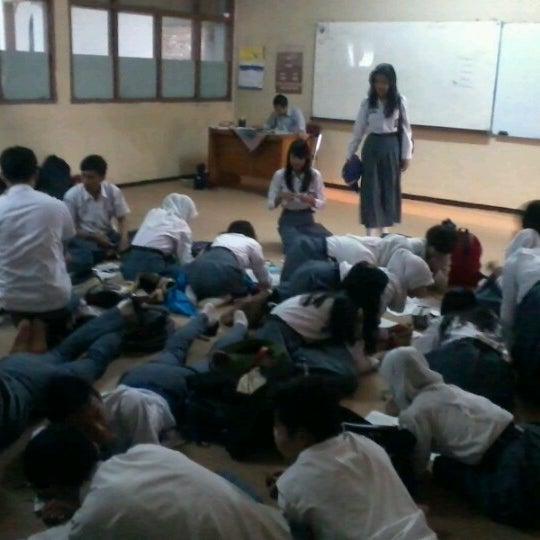 Foto diambil di SMA Negeri 25 Bandung oleh Irbad N. pada 9/18/2012