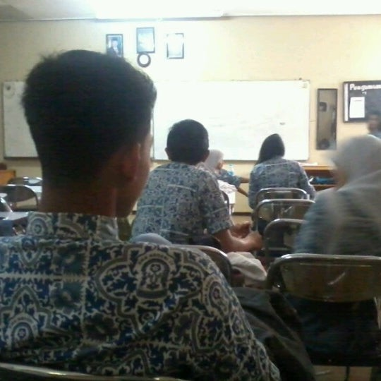 Foto diambil di SMA Negeri 25 Bandung oleh Irbad N. pada 1/25/2013