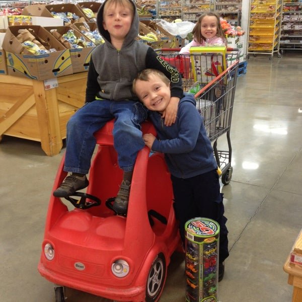 Photo taken at BJ's Wholesale Club by Lisa M. on 5/25/2013