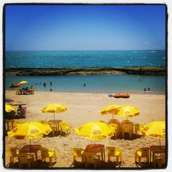 Foto tirada no(a) Praia Mirante da Sereia por Thiago V. em 12/26/2012