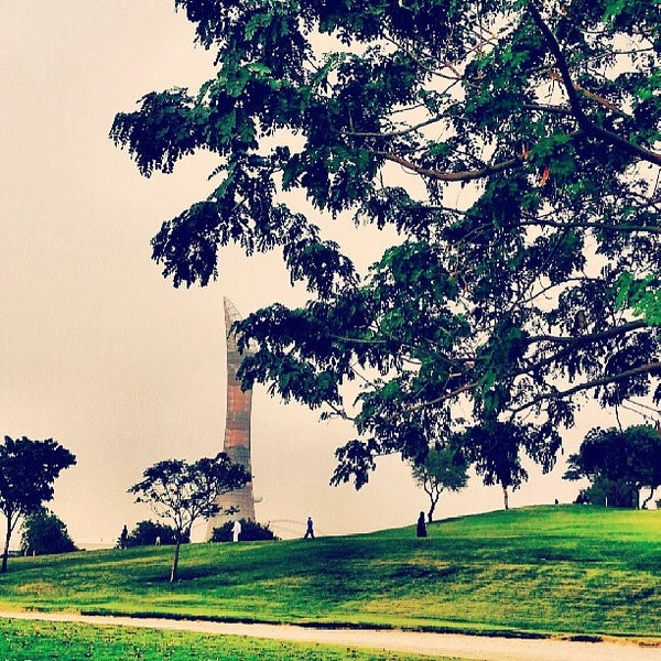 Photo taken at Aspire Park by Ahmed A. on 5/22/2013