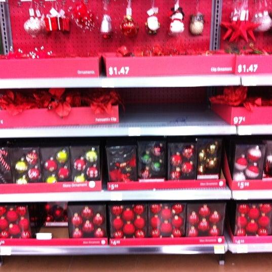 Снимок сделан в Walmart Supercenter пользователем Bill H. 10/20/2012