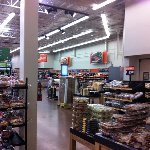 Снимок сделан в Walmart Supercenter пользователем Bill H. 5/4/2013