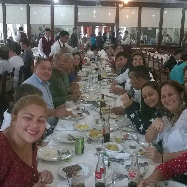 Foto tirada no(a) Rincão Gaucho Grill por Fabiana N. em 10/18/2015