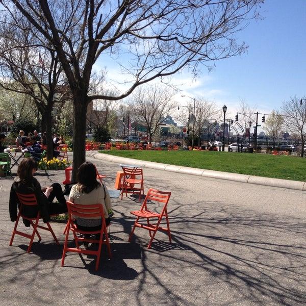 Das Foto wurde bei Hudson River Park von Martin S. am 4/17/2013 aufgenommen