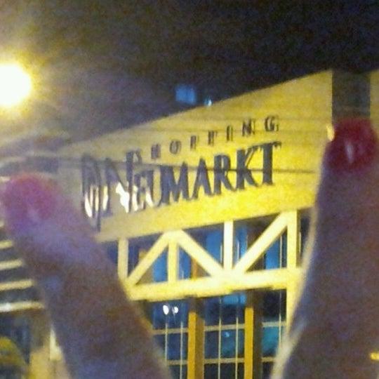 Foto tirada no(a) Shopping Neumarkt por Julimar C. em 10/21/2012
