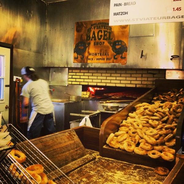 St viateur bagel la maison du bagel mile end 120 for La maison du carrelage blagnac