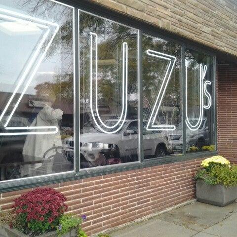 Foto scattata a Madame Zuzu's Tea House da Diana C. il 10/13/2012
