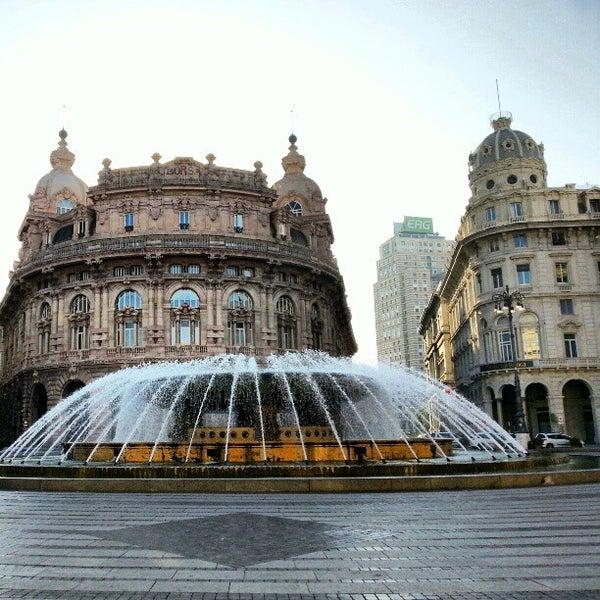 Foto scattata a Piazza de Ferrari da Gideon Y. il 10/20/2012