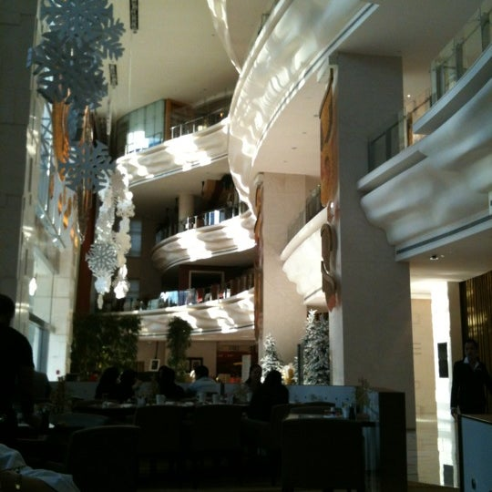 Photo taken at Shangri-La Hotel by Victor C. on 12/29/2011