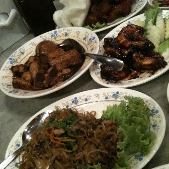 Most stuff tasty. I like the ju hoo char, Assam prawns and inchi kabin.