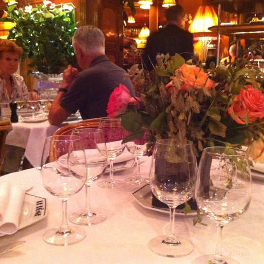 Photo taken at Le Bistrot du Dôme by Alisa A. on 9/9/2012