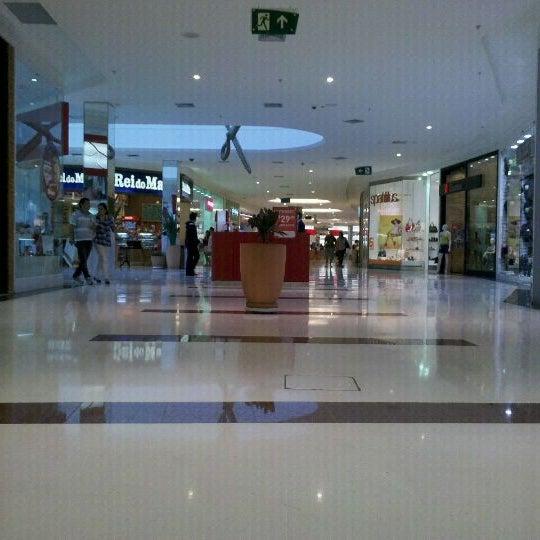 Foto tirada no(a) Boulevard Shopping Campos por Jorge S. em 9/16/2011