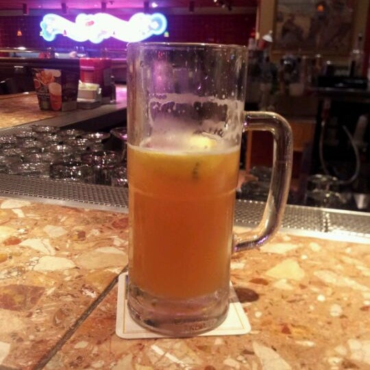 Photo taken at Red Robin Gourmet Burgers by Jessica G. on 4/22/2012