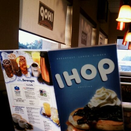 Photo taken at IHOP by Dizzy 2. on 8/21/2011