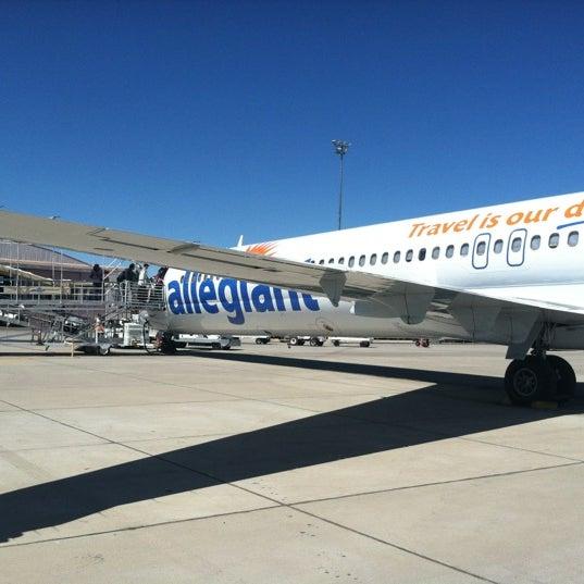 Photo taken at Phoenix-Mesa Gateway Airport (AZA) by Renju on 3/23/2012
