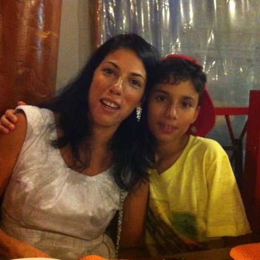 Photo taken at Pizzaria Mirante Moóca by Elis F. on 1/23/2012