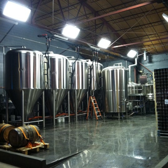Photo taken at Good People Brewing Company by Juhmad H. on 3/24/2011
